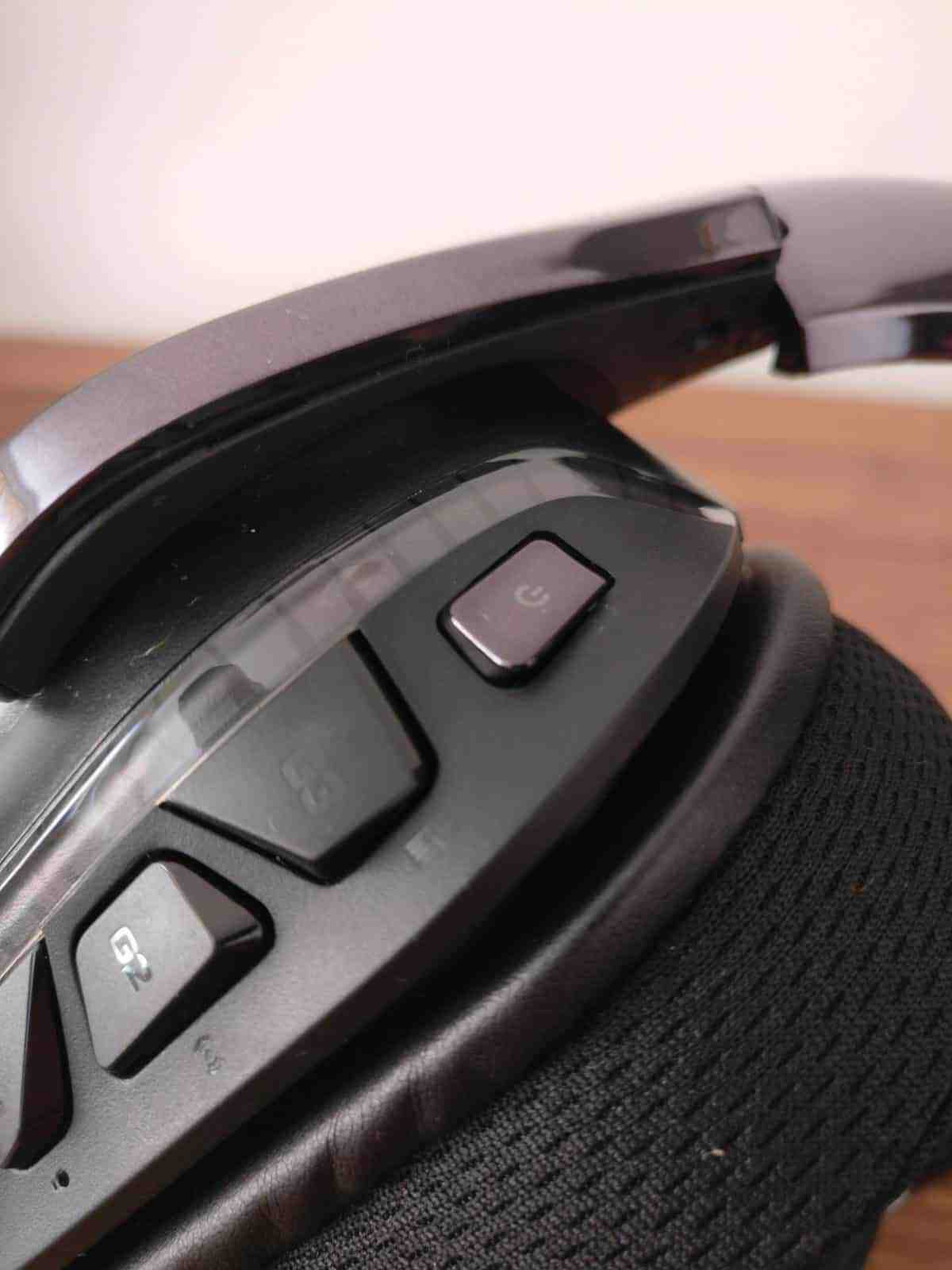 Logitech G933 Gaming Headset Review - The Streaming Blog