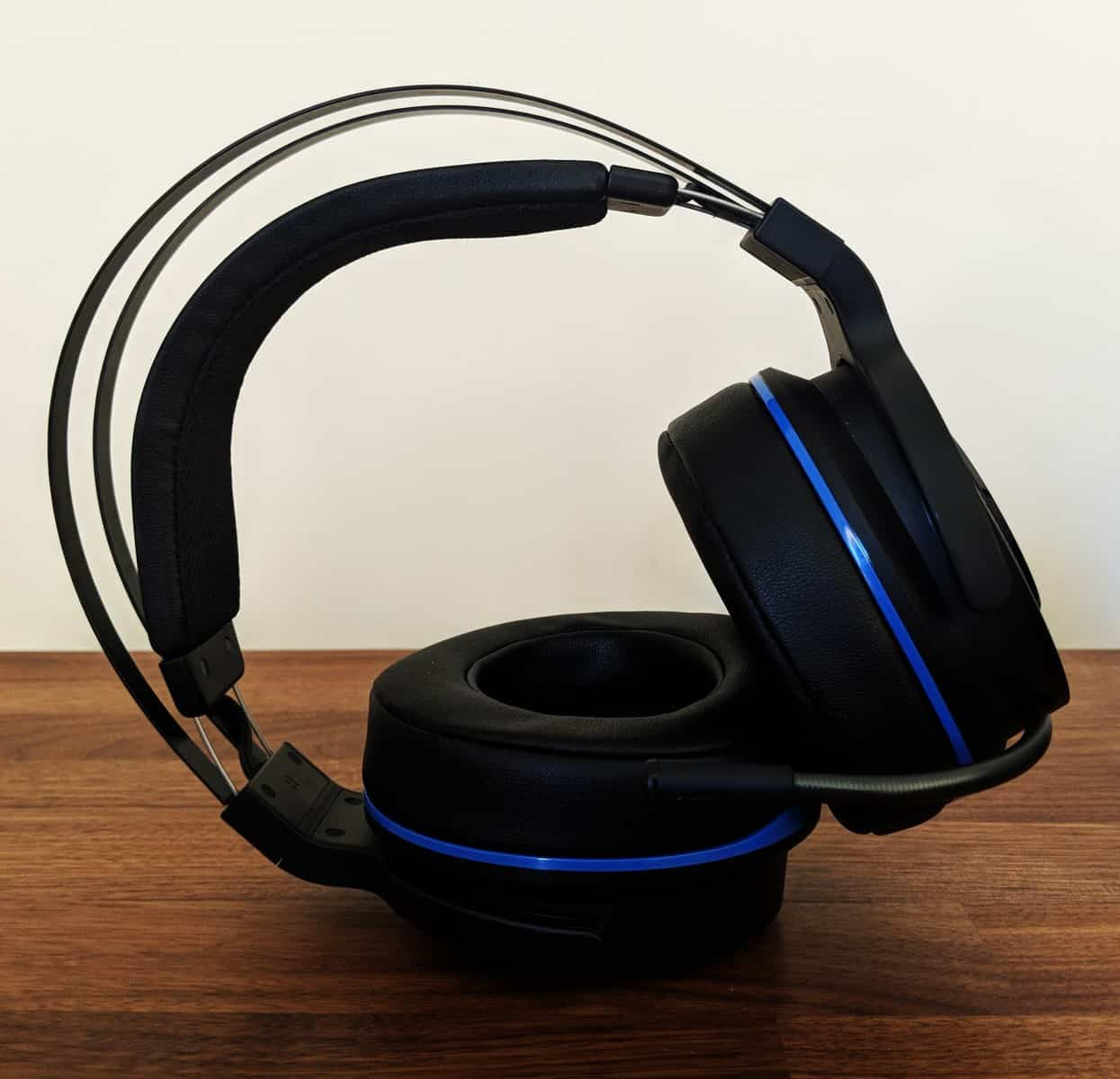 Razer Thresher PS4 Headset Review - The Streaming Blog