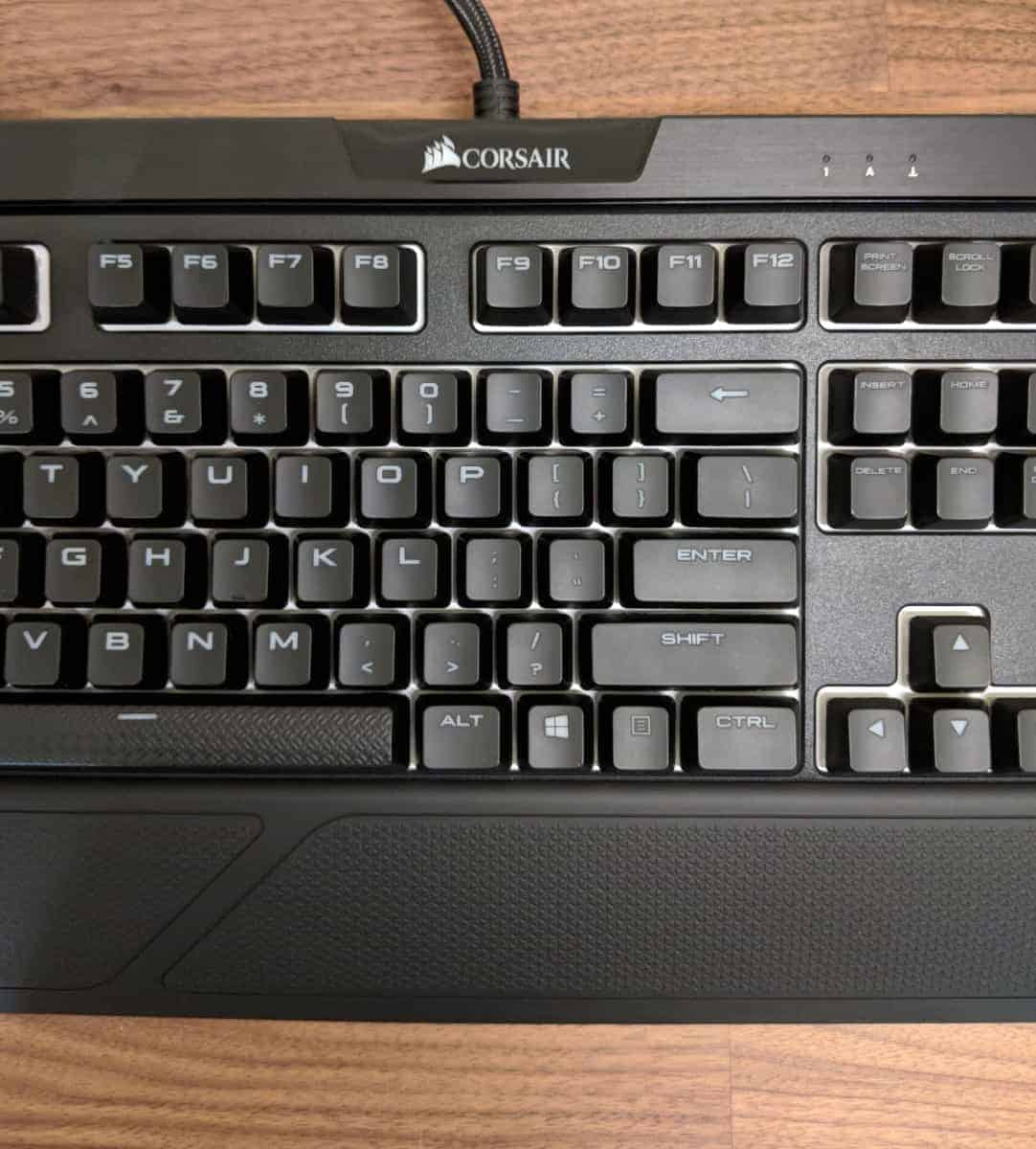 7b02a3deb7f It also displays the common 105-key arrangement with keyboard-mounted  controls just right above the F1 to F4 keys; you can also find these just  above the ...