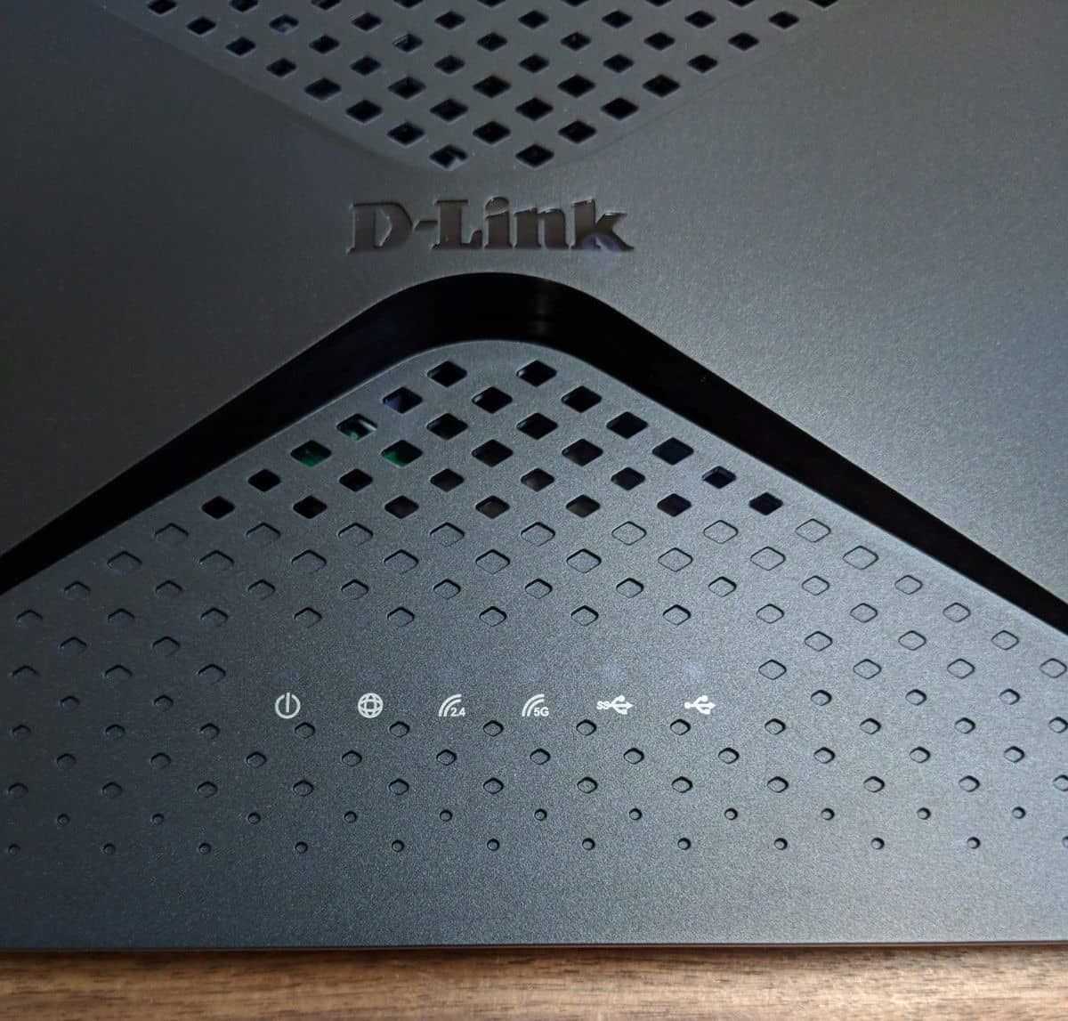 DLink-EXO-AC2600-Photos-06 D-Link EXO AC2600 MU-MIMO Router Review