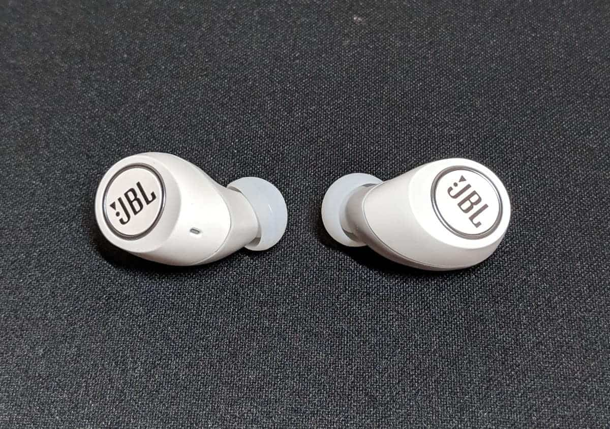46351fd447d ... of the device without having to open the case. This is a really nice  and convenient touch that JBL added to their Free X smart true wireless  earphones.